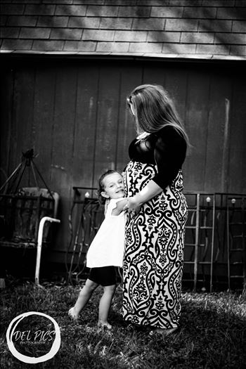 Beth Maternity Pictures -